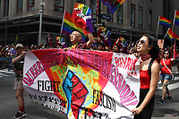 NEW YORK, EUA, 25.06.2017 - PARADA-NEW YORK - Participantes durante a Parada do Orgulho LGBT na cidade de New York nos Estados Unidos neste domingo, 25. (Foto: Vanessa Carvalho/Brazil Photo Press)