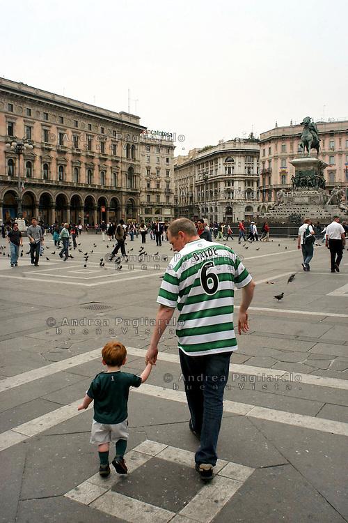 Italia, Milano, tifosi del Celtic in piazza Duomo per la partita di Champions.