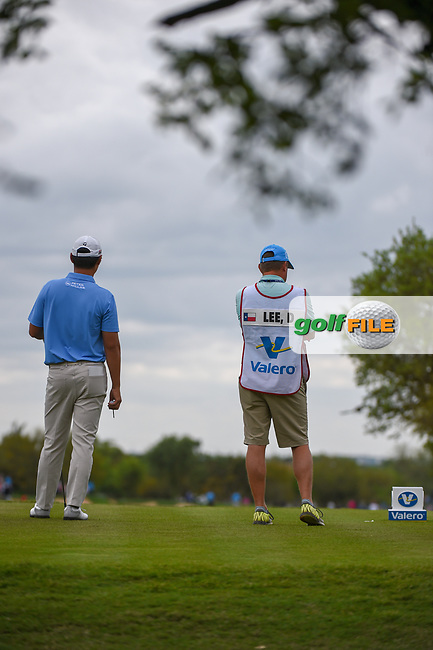 Danny Lee (NZL) looks over his tee shot on 2 during day 4 of the Valero Texas Open, at the TPC San Antonio Oaks Course, San Antonio, Texas, USA. 4/7/2019.<br /> Picture: Golffile   Ken Murray<br /> <br /> <br /> All photo usage must carry mandatory copyright credit (© Golffile   Ken Murray)