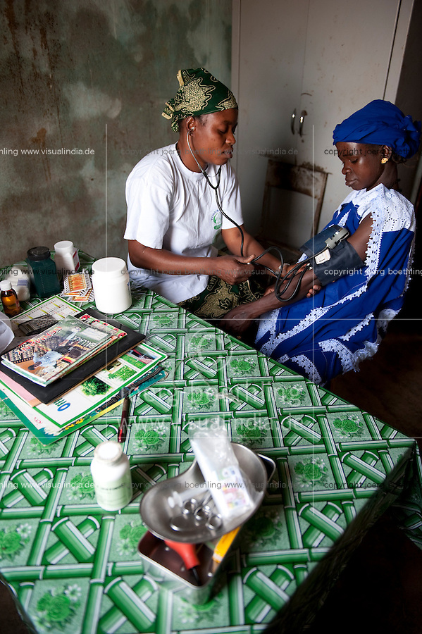 "Afrika Westafrika Mali -  Krankenstation zur Betreuung von Schwangeren Frauen in einem Dorf - Sozialwesen | .Africa Mali , health center in village for pregnant women - care   .| [ copyright (c) Joerg Boethling / agenda , Veroeffentlichung nur gegen Honorar und Belegexemplar an / publication only with royalties and copy to:  agenda PG   Rothestr. 66   Germany D-22765 Hamburg   ph. ++49 40 391 907 14   e-mail: boethling@agenda-fototext.de   www.agenda-fototext.de   Bank: Hamburger Sparkasse  BLZ 200 505 50  Kto. 1281 120 178   IBAN: DE96 2005 0550 1281 1201 78   BIC: ""HASPDEHH"" ,  WEITERE MOTIVE ZU DIESEM THEMA SIND VORHANDEN!! MORE PICTURES ON THIS SUBJECT AVAILABLE!! ] [#0,26,121#]"