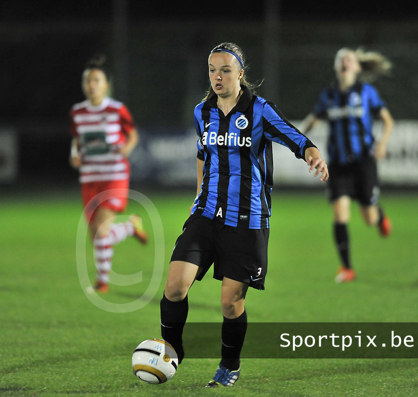 20131001 - VARSENARE , BELGIUM : Brugge's Tine De Caigny pictured during the female soccer match between Club Brugge Vrouwen and Royal Antwerp FC Ladies , of the fifth matchday in the BENELEAGUE competition. Tuesday 1 October 2013. PHOTO DAVID CATRY