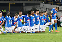 BOGOTA - COLOMBIA -08 -02-2017: Jugadores de Millonarios a la espectativa durante los cobros de tiro penal en el partido entre Millonarios de Colombia y Atletico Paranaense de Brasil, por la segunda fase, llave 1 de la Copa Conmebol Libertadores Bridgestone 2017 jugado en el estadio Nemesio Camacho El Campin, de la ciudad de Bogota. / Players of Millonarios to the expectation  during the penal series in a match between Millonarios of Colombia and Atletico Paranaense of Brasil, for the second phase, key1, of the Conmebol Copa Libertadores Bridgestone 2017 played at Nemesio Camacho El Campin in Bogota city. Photo: VizzorImage / Luis Ramirez / Staff.