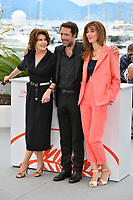 """CANNES, FRANCE. May 21, 2019: Fanny Ardant, Nicolas Bedos & Doria Tillier at the photocall for """"La Belle Epoque"""" at the 72nd Festival de Cannes.<br /> Picture: Paul Smith / Featureflash"""