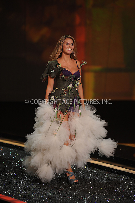 WWW.ACEPIXS.COM . . . . . ....November 19 2009, New York City....Heidi Klum on the runway during the 2009 Victoria's Secret fashion show at The Armory on November 19, 2009 in New York City.....Please byline: KRISTIN CALLAHAN - ACEPIXS.COM.. . . . . . ..Ace Pictures, Inc:  ..(212) 243-8787 or (646) 679 0430..e-mail: picturedesk@acepixs.com..web: http://www.acepixs.com