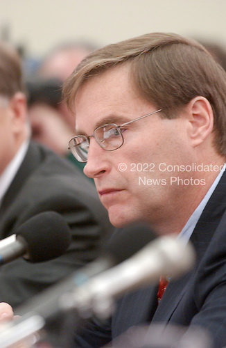 """Washington, DC - February 7, 2002 -- Richard B. Buy, Chief Risk Officer; Enron Corporation testifies before a hearing of the United States House of Representatives Energy and Commerce Subcommittee on Oversight and Investigations on """"The Financial Collapse of the Enron Corporation""""..Credit: Ron Sachs / CNP"""