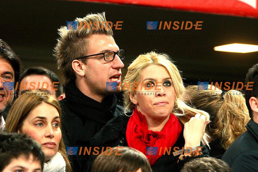 "Maxi Lopez Milan con la moglie Wanda Nara.Milano 25/02/2012 Stadio ""S.Siro"".Football / Calcio Serie A 2011/2012.Milan vs Juventus.Foto Insidefoto Paolo Nucci"