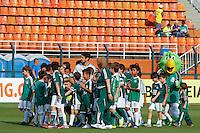 SAO PAULO, SP 28 SETEMBRO 2013 - PALMEIRAS X AMERICA NATAL - Jogador do Palmeiras Valdivia durante incio da partida. O palmeiras enfrenta o América de Natal, na tarde de hoje, 28, no Estádio do Pacaembu. foto: Paulo Fischer/Brazil Photo Press.