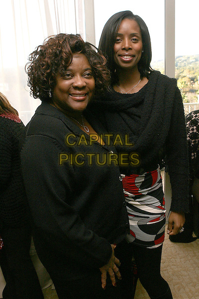 """LORETTA DEVINE.2007 Golden Globe """"All Around The World"""" Style Lounge - Day One held before the 64th Annual Golden Globe Awards at the Beverly Hilton, Beverly Hills, California, USA,.12 January 2007..half length.CAP/ADM/ZL.©Zach Lipp/AdMedia/Capital Pictures."""