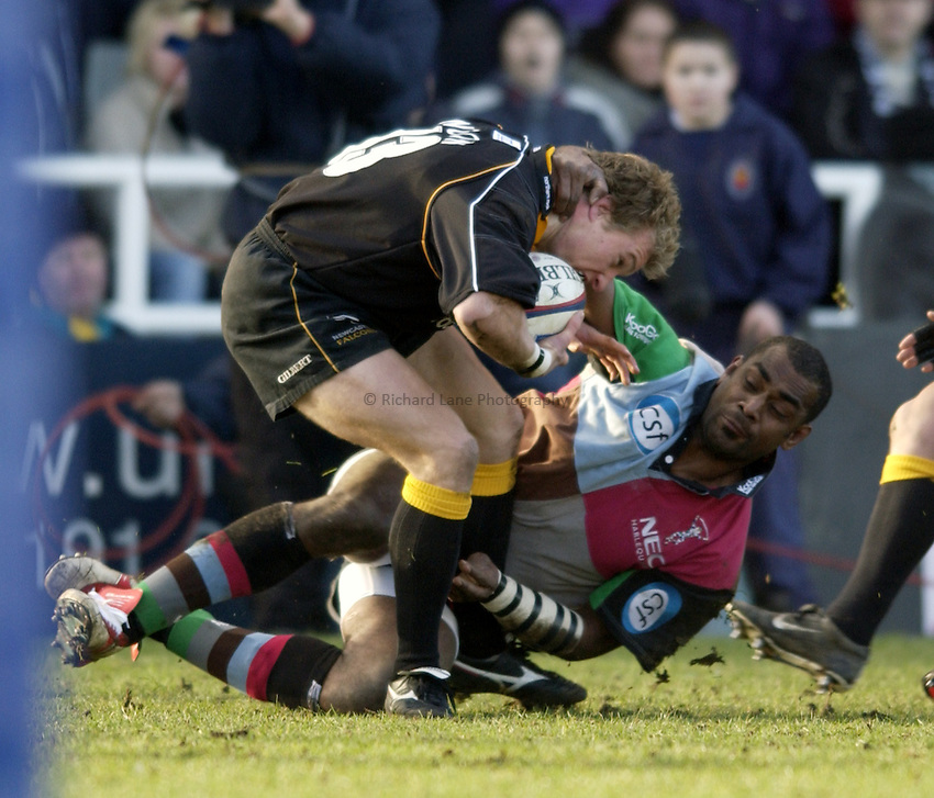 .Photo. Jed Wee.Newcastle Falcons v Harlequins, Zurich Premiership, Kingston Park, Newcastle. 01/02/2003..Harlequins' Viliame Satala (R) and Newcastle's Jamie Noon.