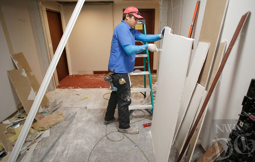 NWA Democrat-Gazette/DAVID GOTTSCHALK Work continues Friday, August 3, 2018, on the fifth floor of the Washington County Courthouse in Fayetteville. The fifth floor is being remodeled to house a courtroom.