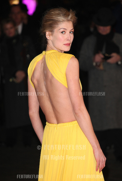 Rosamund Pike arriving at the World Premiere of Jack Reacher, at Odeon Leicester Square, London. 10/12/2012 Picture by: Alexandra Glen / Featureflash