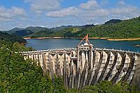 Barragem do reservatório de Lajes,  Rio Guandú. Ribeirão das Lajes. Piraí. Rio de Janeiro. 2008. Foto de Ricardo Azoury.