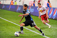 Geovanni (77) of the San Jose Earthquakes. The San Jose Earthquakes defeated the New York Red Bulls 3-1, (3-2) on aggregate during the 2nd leg of the Major League Soccer (MLS) Eastern Conference Semifinals at Red Bull Arena in Harrison, NJ, on November 04, 2010.