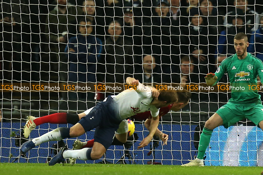 Harry Kane of Tottenham Hotspur goes close with a diving header during Tottenham Hotspur vs Manchester United, Premier League Football at Wembley Stadium on 13th January 2019