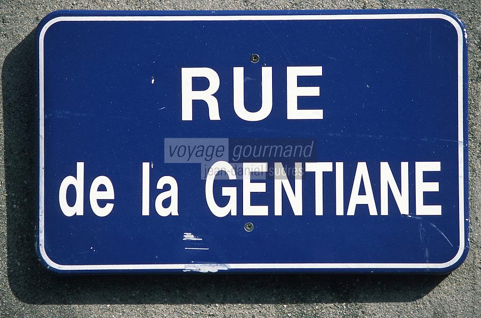 France/15/Cantal/Rions es Montagne: Plaque de la rue de la Gentiane