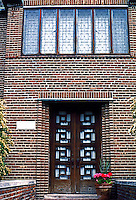 Eliel Saarinen: Saarinen house, 1930. Cranbrook. Entrance. Photo '97.