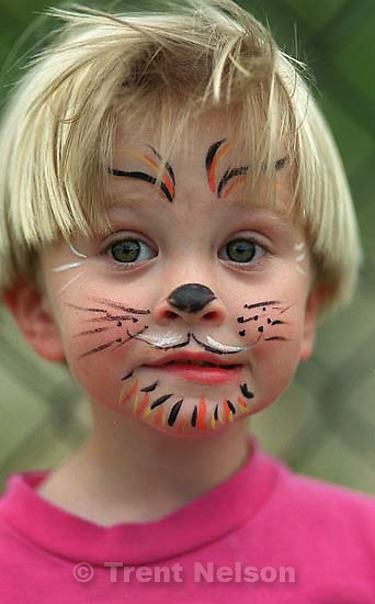 Nathaniel Nelson with tiger face paint.<br />