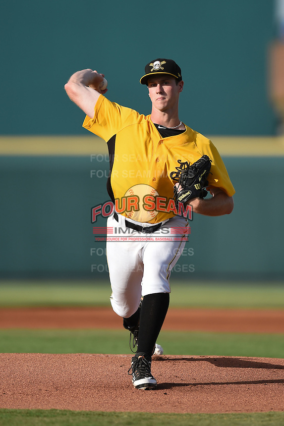 Bradenton Marauders pitcher Jason Creasy (27) delivers a pitch during a game against the Palm Beach Cardinals on June 23, 2014 at McKechnie Field in Bradenton, Florida.  Bradenton defeated Palm Beach 11-6.  (Mike Janes/Four Seam Images)