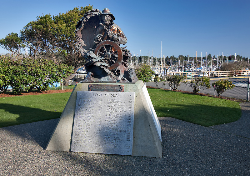 Statue for lost at sea persons at Charleston harbor, Oregon