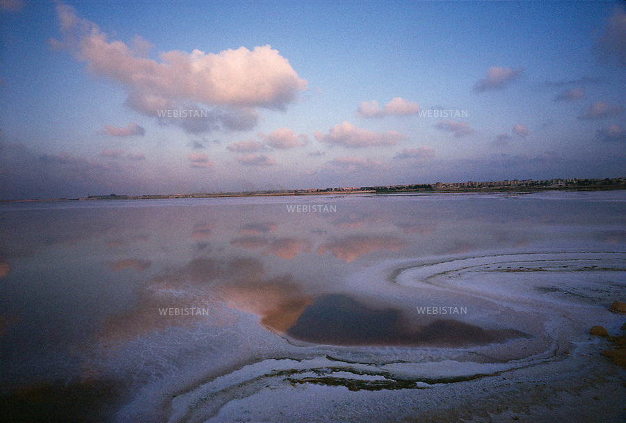 Egypt. Alexandria. 1996. Salt lakes on lagunas near Mariout Lake, at the south of Alexandria.....Egypte. Alexandrie. 1996. Lacs de sel dans les lagunes proches du lac Mariout, au sud d'Alexandrie.