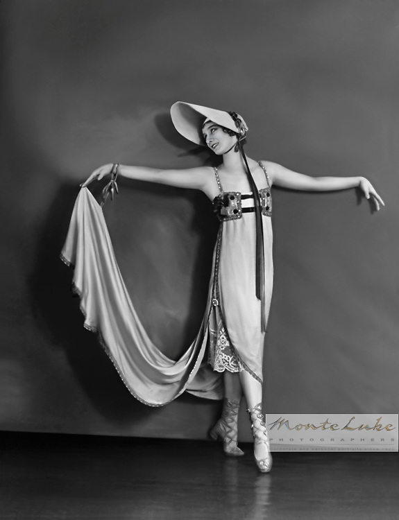 Anna Pavlova - Invitation to the dance
