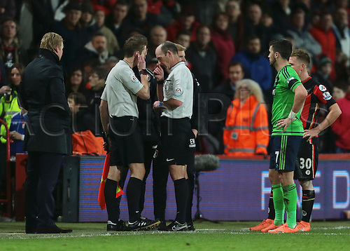 01.03.2016. Vitality Stadium, Bournemouth, England. Barclays Premier League. Bournemouth versus Southampton. Both Managers and officials look concerned as the First half is halted during stoppage time, as Fourth Official Kevin Friend collapses and is stretchered off through the dugout tunnel