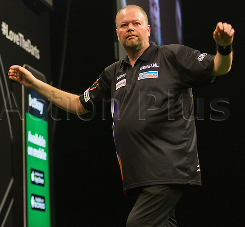 31.03.2016. The Motorpoint Arena, Cardiff.  Betway PDC Premier League Darts Judgement Night. Raymond Van Barneveld celebrates after checking out