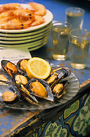 "Europe/Espagne/Andalousie/Costa del Sol/Malaga : Bodegua bar à tapas ""Antigua casa guardia"" - Tapas à base de moules"