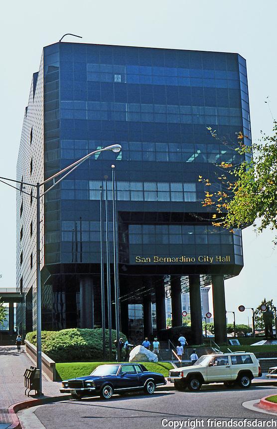 Cesar Pelli: San Bernardino City Hall, 1972. Photo '87.
