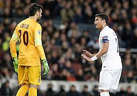 Paris Saint-Germain's Salvatore Sirigu (l) and Thiago Silva during Champions League 2014/2015 match.December 10,2014. (ALTERPHOTOS/Acero) /NortePhoto
