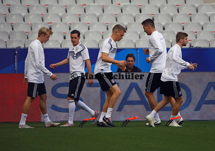 Julian Brandt (Deutschland Germany), Sebastian Rudy (Deutschland, Germany), Matthias Ginter (Deutschland Germany), Niklas Süle (Deutschland Germany), Timo Werner (Deutschland Germany) - 15.10.2018: Abschlustraining Deutschland vor dem Spiel Frankreich vs. Deutschland, 4. Spieltag UEFA Nations League, Stade de France, DISCLAIMER: DFB regulations prohibit any use of photographs as image sequences and/or quasi-video.