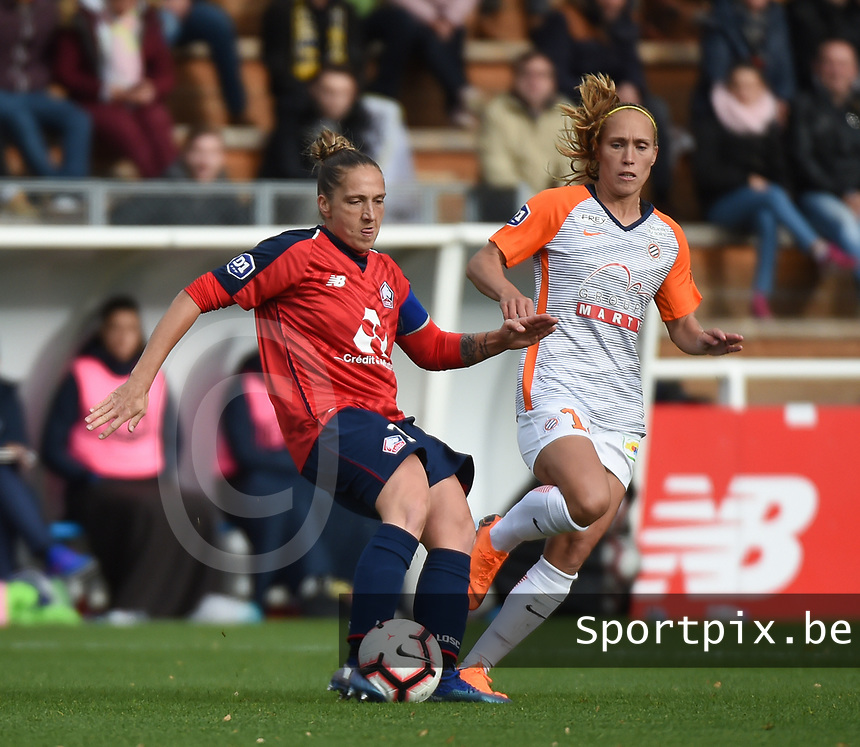 20181027 - CAMPHIN-EN-PEVELE , FRANCE : LOSC's Maud Coutereels (L) and Montpellier's Janice Cayman (R) pictured during the 8 th competition game between the women teams of Lille OSC and Montpellier Herault Sporting Club in the 2018-2019 season of the first Division - Ligue 1 at Domaine de Luchin , Saturday 27th Octobre 2018 ,  PHOTO Dirk Vuylsteke | Sportpix.Be