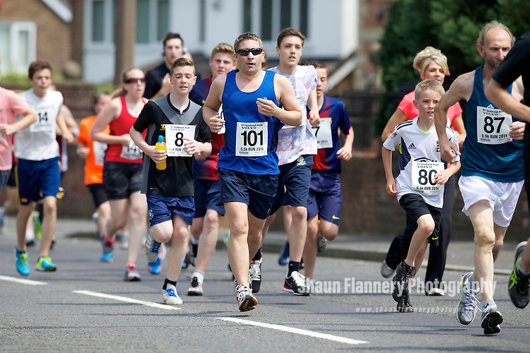 Pix: Shaun Flannery/shaunflanneryphotography.com<br /> <br /> COPYRIGHT PICTURE&gt;&gt;SHAUN FLANNERY&gt;01302-570814&gt;&gt;07778315553&gt;&gt;<br /> <br /> 22nd June 2014.<br /> Sprotbrough 6.5K Fun Run 2014<br /> Doncaster 67th (Sprotbrough) Scouts Gala.