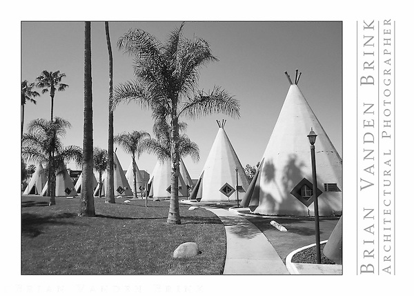 WIGWAM MOTEL, Built 1949, Rialto, California © Brian Vanden Brink, 2010