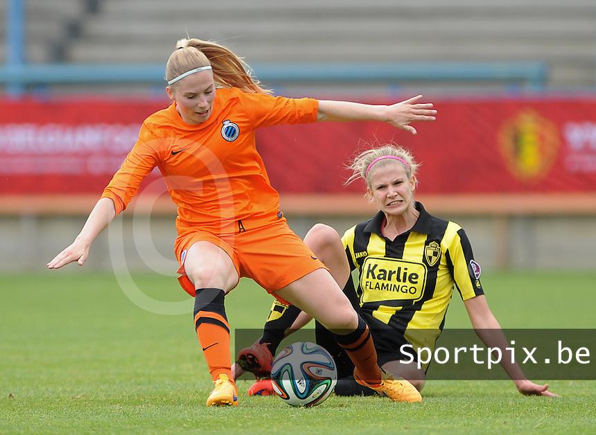 Bekerfinale vrouwen 2015 : Lierse-Club Brugge Vrouwen <br /> <br /> Jana Coryn (L) ontwijkt een tackle van Justine Vanhaevermaet (R)<br /> <br /> foto VDB / BART VANDENBROUCKE
