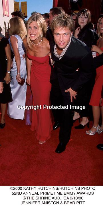 ©2000 KATHY HUTCHINS/HUTCHINS PHOTO.52ND ANNUAL PRIMETIME EMMY AWARDS.@THE SHRINE AUD., CA 9/10/00.JENNIFER ANISTON & BRAD PITT