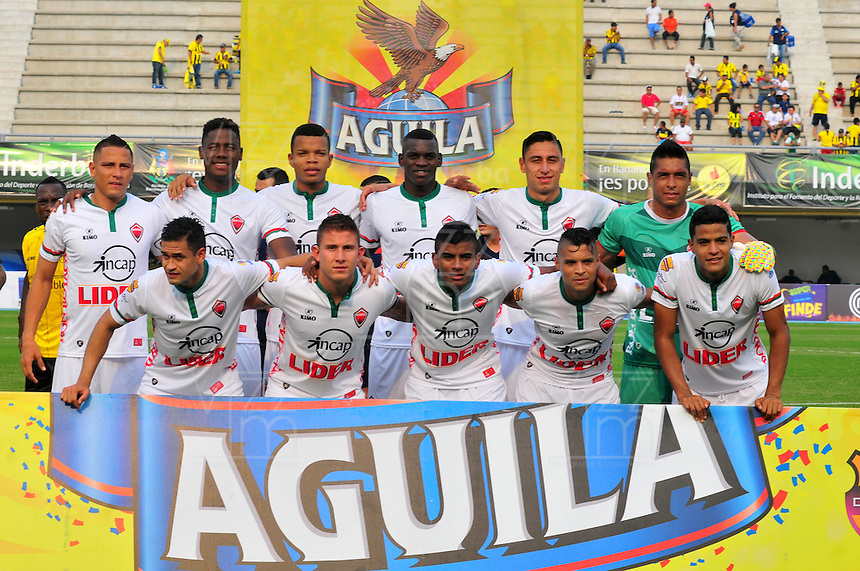 BARRANCABERMEJA -COLOMBIA-16-ABRIL-2016.Formación  de  de Patriotas  FC  contra Alianza Petrolera durante partido por la fecha 13 de Liga Águila I 2016 jugado en el estadio Daniel Villa Zapata ./ Team of  Patriotas FC against Alianza Petrolera during the match for the date 13 of the Aguila League I 2016 played at Daniel Villa Zapata   stadium in Barrancabermeja  . Photo: VizzorImage / José David  Martínez  / Contribuidor