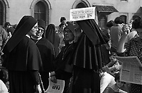 Milano: manifestazione del comitato contro l'aborto prima delle elezioni politiche. Maggio 1979.<br /> Milan: demonstration of the Committee against abortion before the general election. May 1979.