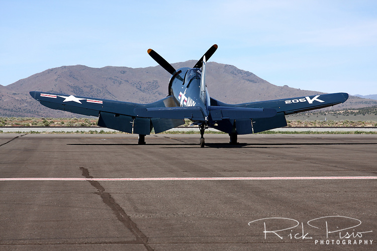 Chance-Vought F4U-4 Corsair.