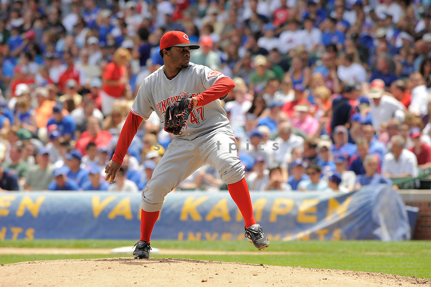 JOHNNY CUETO,  of the Cincinnati Reds  in action  during the Reds game against the Chicago Cubs.  The  Cubs beat the Reds 5-3 in Chicago, Illinois on July 25, 2008...David Durochik