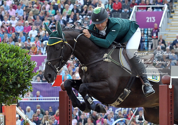 Ruy Fonseca (BRA) riding Tom Bombadill Too. Equestrian Eventing - PHOTO: Mandatory by-line: Garry Bowden/SIP/Pinnacle - Photo Agency UK Tel: +44(0)1363 881025 - Mobile:0797 1270 681 - VAT Reg No: 768 6958 48 - 31/07/2012 - 2012 Olympics - Greenwich, London, England