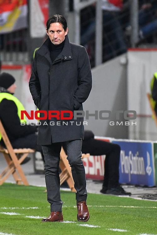 07.12.2016, BayArena, Leverkusen, Gruppe E, GER, Bayer 04 Leverkusen (GER) vs. AS Monaco (FRA)<br /> im Bild:<br /> Roger Schmidt (Trainer Leverkusen),<br /> <br /> <br /> <br /> Foto &copy; nordphoto / Meuter