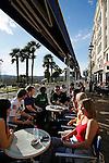 20080110 - France - Aquitaine - Pau<br /> LES CAFES DU BOULEVARD DES PYRENEES A PAU, TRES ANIMES.<br /> Ref : PAU_018.jpg - © Philippe Noisette.