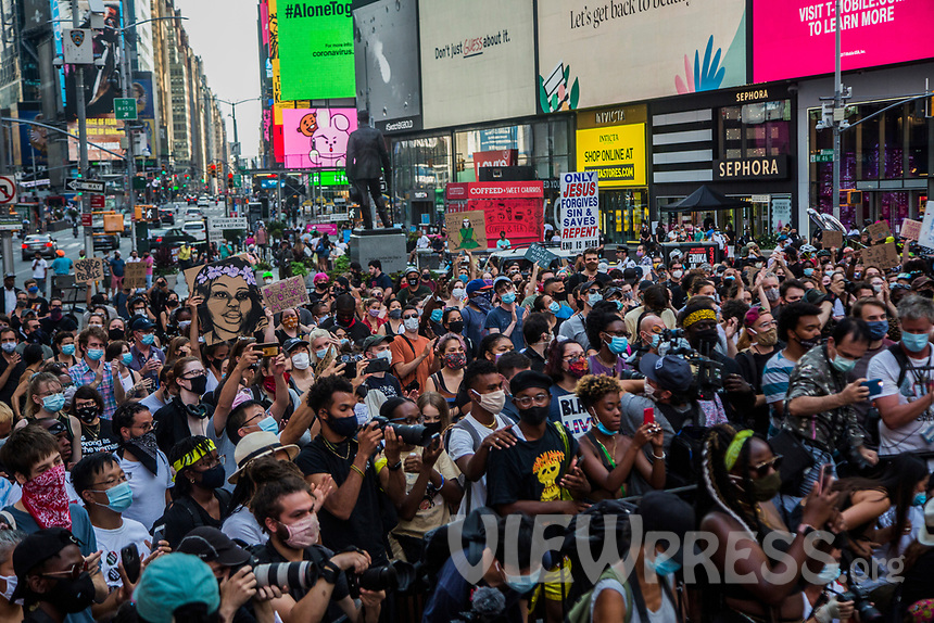 "NEW YORK, NY - JULY 26: A large crowd of protesters gather in Times Square in New York, NY on July 26, 2020. Hundreds of New York activists participated in a march to condemn what they see as excessive focus. from federal authorities in Portland, Oregon and continue to support the different movements of ""Black Lives Matter"" (Photo by Pablo Monsalve / VIEWpress via Getty Images)"