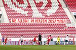 Spielszene mit Plat auf der Tribuene NIE ALLEIN IM HERZEN ZUSAMMEN, <br /> <br /> Sport: Fussball: 1. Bundesliga:: nphgm001:  Saison 19/20: 33. Spieltag: 1. FSV Mainz 05 vs SV Werder Bremen 20.06.2020<br /> Foto: Neis/Eibner/Pool/via gumzmedia/nordphoto<br /><br />DFB regulations prohibit any use of photographs as image sequences and/or quasi-video.<br />Editorial Use ONLY<br />National and International News Agencies OUT<br />  DFL REGULATIONS PROHIBIT ANY USE OF PHOTOGRAPHS AS IMAGE SEQUENCES AND OR QUASI VIDEO<br /> EDITORIAL USE ONLY<br /> NATIONAL AND INTERNATIONAL NEWS AGENCIES OUT