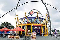 Nederland  Amsterdam -  September 2018. De Foodstrip in de Bijlmer. Verschillende fastfoodketens op een rij. Burger King.  Foto Berlinda van Dam / Hollandse Hoogte