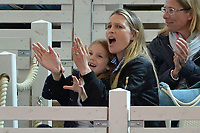 HAMBURGO, ALEMANHA, 25.06.2017 - OPEN-ALEMANHA - esposa do tenista Tommy Hass, Sara Foster, e filha Valentina acompanha partida entre Tommy Hass e Nicolas Kicker valido pelo German Open Tennis Championships na cidade de Hamburgo na Alemanha. (Foto:Michael Timm/ Brazil Photo Press)