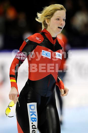 HEERENVEEN - Schaatsen, IJsstadion Tialf, World Cup, 2011-2012, 03-12-2011, Monique Angermuller