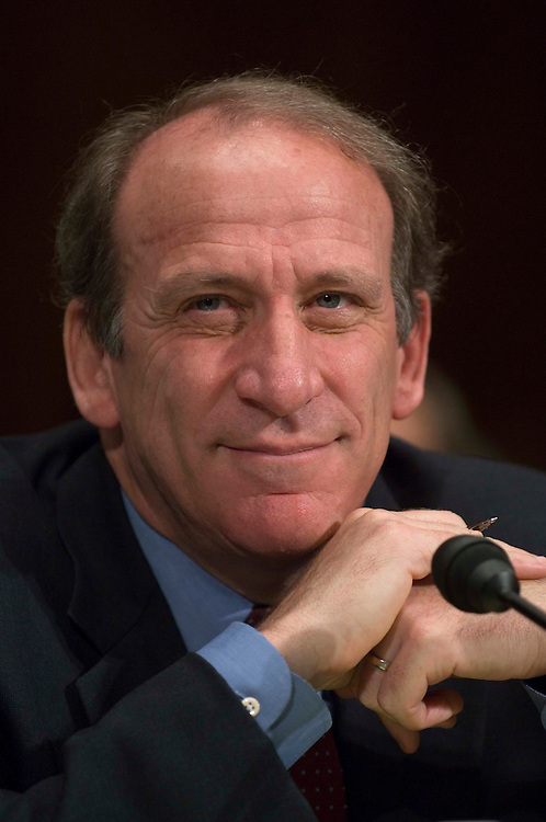 """06/14/06--Blair Levin, managing director of Stifel, Nicolaus & Company, Inc., during the Senate Judiciary hearing on """"Reconsidering Our Communications Laws: Ensuring Competition and Innovation."""" Congressional Quarterly Photo by Scott J. Ferrell"""