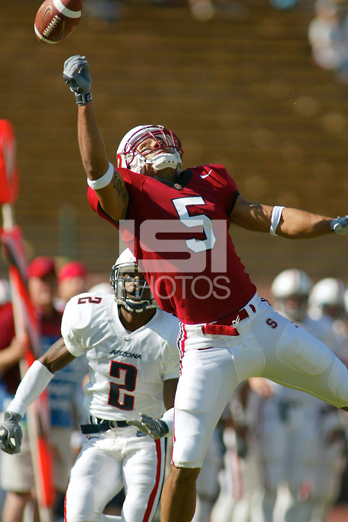 Teyo Johnson during Stanford's 16-6 win over Arizona on October 19, 2002 in Stanford, CA.<br />Photo credit mandatory: Gonzalesphoto.com<br />USAGE: Stanford Athletics internal/promotional usage only. Other third party usage subject to rights fee: Contact david@gonzalesphoto.com for more information.